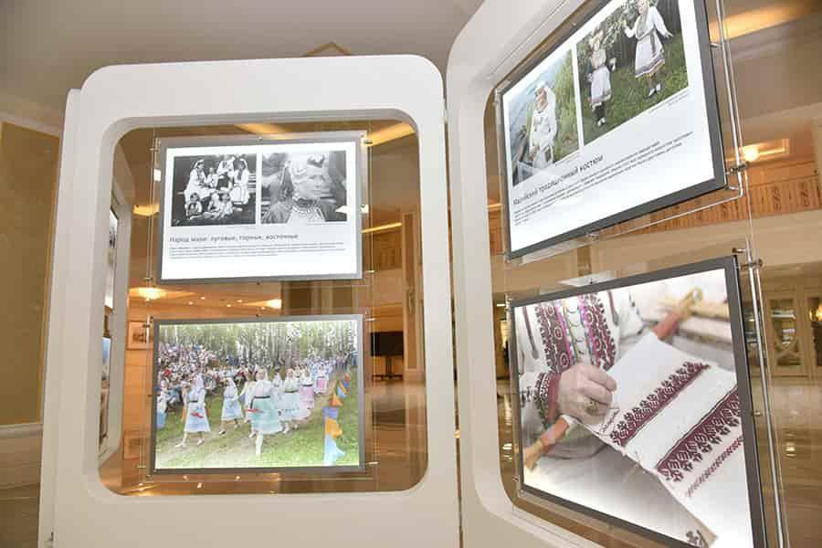 Выставка 100 лет автономии марийского народа
